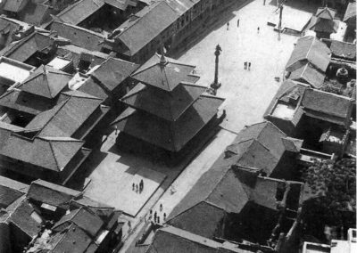 An aerial view of Tachupal Tol or Dattatraya Square, the oldest part of Bhaktapur, at the beginning of the 1960s. The Dattatraya temple, in the middle, was built in the 15th century